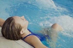 Hydromassage piscine dans Bien-être balneo-300x200